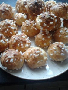 Chouquettes  dans dessert 2013-02-06-15.17.13-e1381926022783-225x300